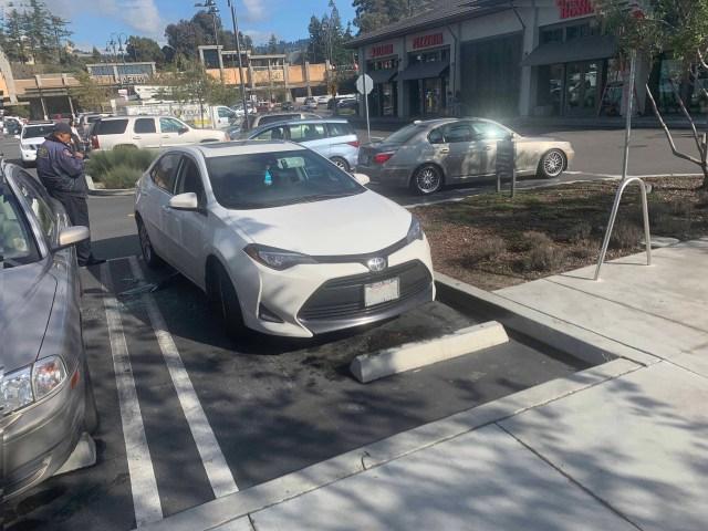 2020-1-22 car broken into near Chase Bankaround noon_0091(3)